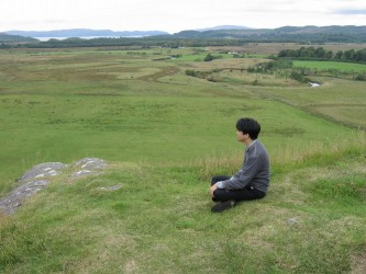 Toshia Tsunoda viewing Kilmartin