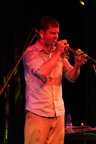 Peter Evans playing a trumpet at MLFC 07