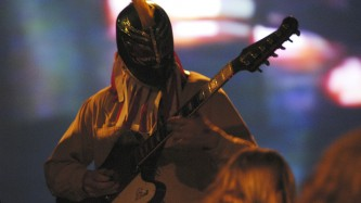Masked guitarist of Sunburned Hand of the Man at KYTN 03